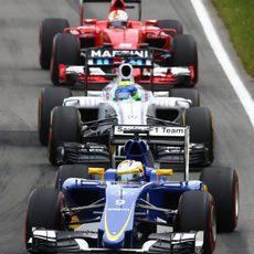 Marcus Ericsson siente la presión del FW37 de Massa