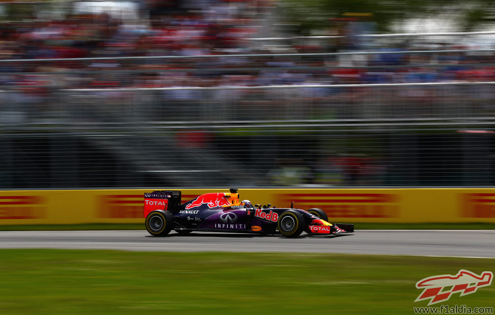 Daniel Ricciardo no logra terminar dentro del 'top-ten'