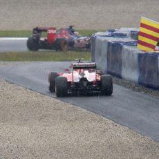 Kimi Raikkonen protagoniza una salida de pista durante los L3