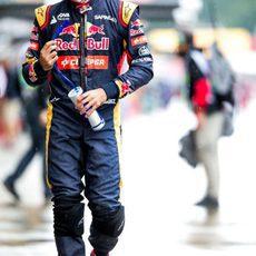 Carlos Sainz en el paddock al finalizar los L3
