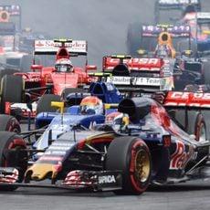 Carlos Sainz se pone por delante de Nasr