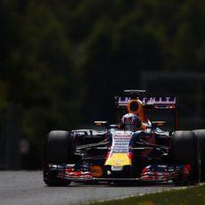 Daniel Ricciardo aprovecha el segundo día de test