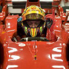 Valentino Rossi rueda con el F2008