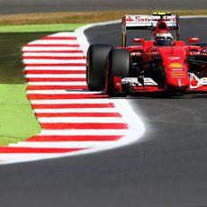 Kimi Räikkönen prueba sensaciones con los duros