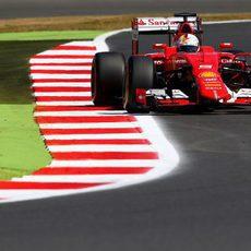 Sebastian Vettel no estuvo totalmente satisfecho en su SF15-T