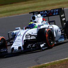 Felipe Massa prueba sensaciones con los duros