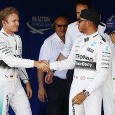 Hamilton y Rosberg se dan la mano: deportividad ante todo