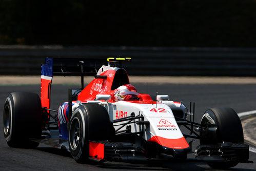 Fabio Leimer pilotando en la primera sesión
