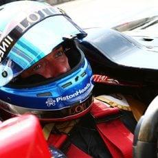 Jolyon Palmer subido al E23 híbrido