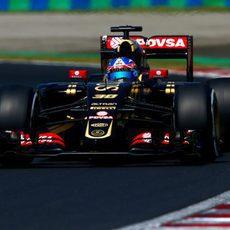 Jolyon Palmer pilotando durante la FP1