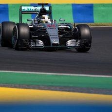 Lewis Hamilton no dio tregua y dominó en el viernes de Hungría