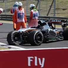 El coche de Sergio Pérez, destrozado