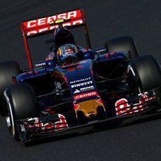 Max Verstappen logra acabar en el 'top-4' en Hungría