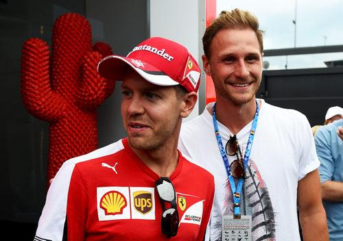 Sebastian Vettel recibe la visita de Benedikt Howedes