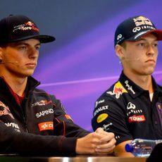 Max Verstappen y Daniil Kvyat estuvieron en la rueda de prensa