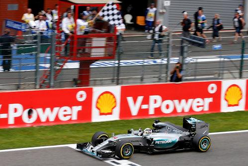 Lewis Hamilton gana el Gran Premio