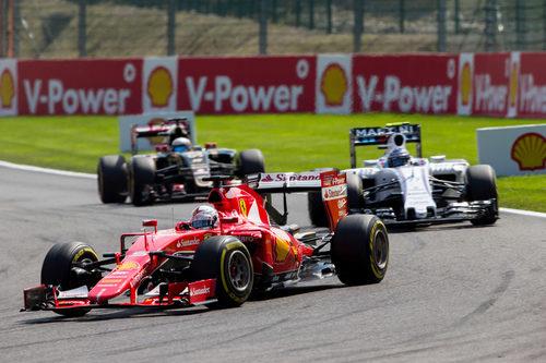 Sebastian Vettel rodando en posición de podio