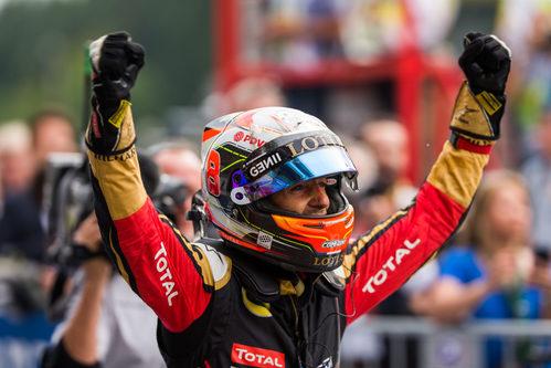 Romain Grosjean celebra su podio
