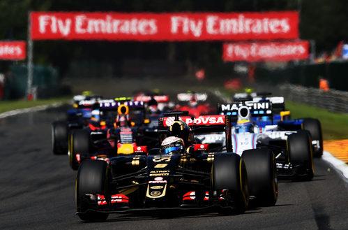 Romain Grosjean rueda en las primeras posiciones