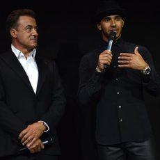 Jean Alesi y Lewis Hamilton en un evento