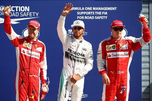 Lewis Hamilton, Kimi Räikkönen y Sebastian Vettel vuelan en Monza