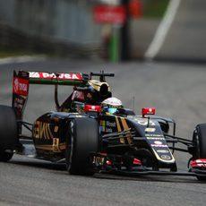 Romain Grosjean sólo rueda en los L2