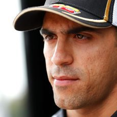 Pastor Maldonado atiende a la prensa en Monza