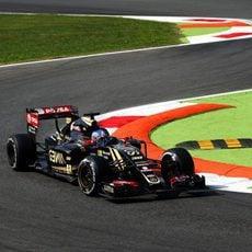 Jolyon Palmer pilotando en Monza