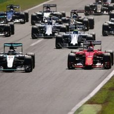 Lewis Hamilton mantiene la pole en Monza