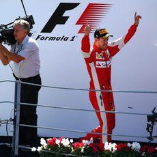 Sebastian Vettel sube al podio con un segundo puesto