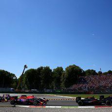 Los dos McLaren suben posiciones en la salida
