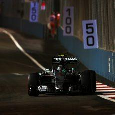 Nico Rosberg enseña las garras