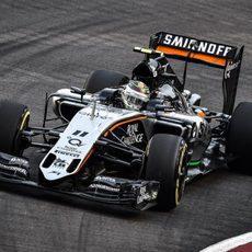 Sergio Pérez saldrá 13º