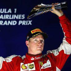 Kimi Räikkönen se queda con el tercer puesto