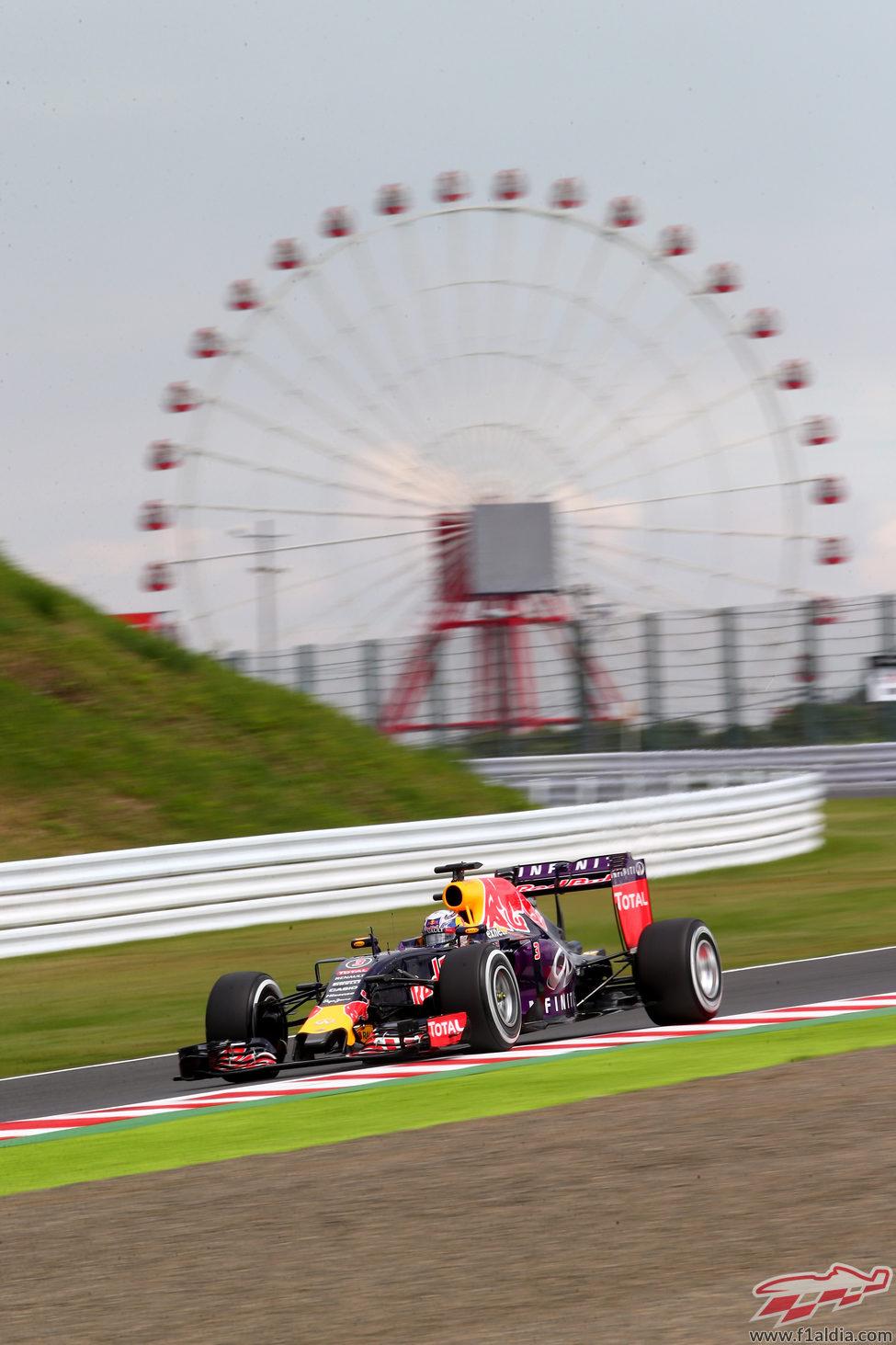 Daniel Ricciardo clasificó en séptima posición