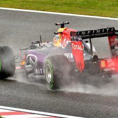 Daniel Ricciardo rodando con los neumáticos intermedios