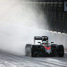 Fernando Alonso exprime su monoplaza en el circuito de Sochi