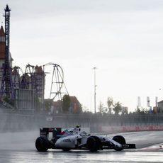 Valtteri Bottas rueda por el trazado urbano de Sochi