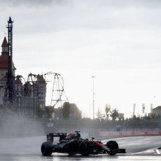 Fernando Alonso saca petróleo de su MP4-30 en Sochi