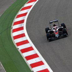 Jenson Button acaba 13º en Sochi