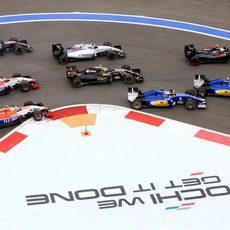 Los Manor Marussia han tenido que esquivar el accidente de la primera vuelta