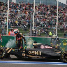 Romain Grosjean abandona