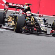 Pastor Maldonado trazando una curva de Sochi