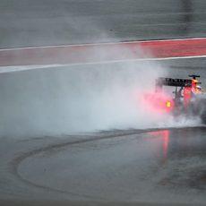 Daniel Ricciardo lucha con su RB11 para marcar un buen registro