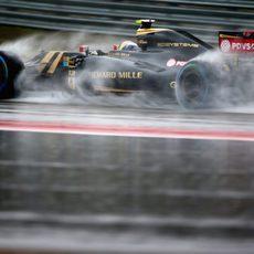 Pastor Maldonado clasifica en 12ª posición