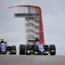Los dos Sauber durante la carrera