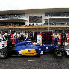 Marcus Ericsson en su posición de la parrilla de salida