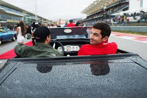 Alexander Rossi en el drivers parade