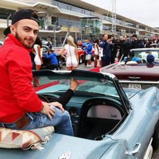Will Stevens en el drivers parade