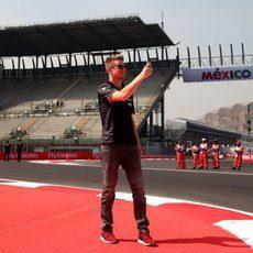 Selfie de Nico Hülkenberg en la pista de México